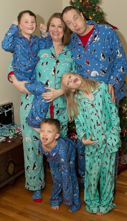 christmas-pjs-family2